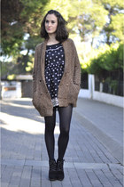 brown chunky Zara cardigan - black suede Mango boots - black romwe dress