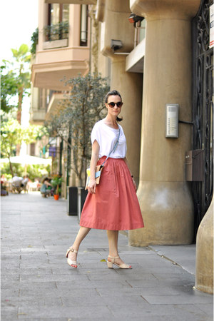 salmon midi Zara skirt - sky blue cork Georgina Skalidi bag