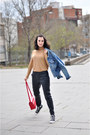 Blue-denim-lois-vintage-jacket-red-pepaloves-bag-black-zara-pants