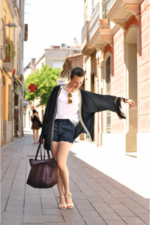 black kimono Karavan jacket - ivory Esska shoes - navy high waisted OASAP shorts