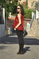 black Zara bag - black suede Mango boots - dark brown Ray Ban sunglasses
