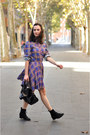 Navy-plaid-girlish-pepa-loves-dress-black-zara-bag