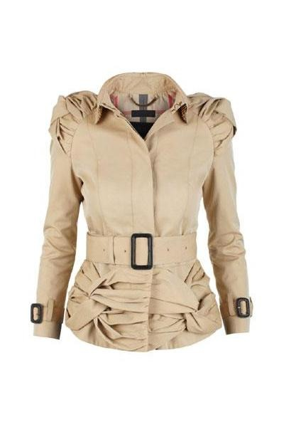 Beige-burberry-jacket-black-black_400