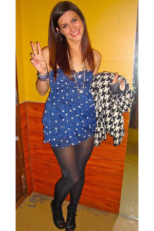 blue polka dots abercrombie and fitch dress - black Chanel necklace