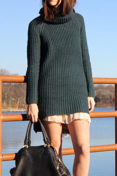 black oversized purse JCrew bag - army green asos dress