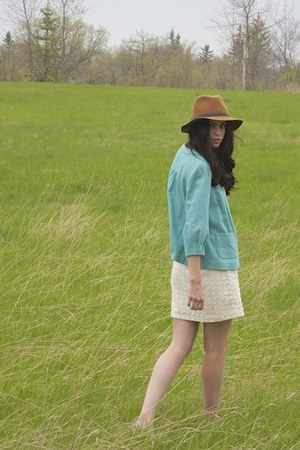 brown wide brim Gap hat - white sundress dotted Target dress