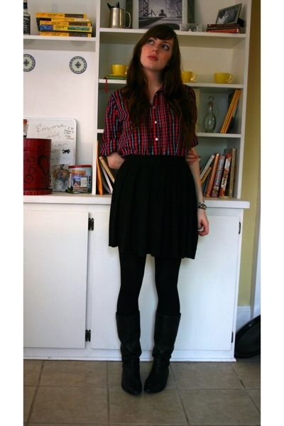 Gap shirt - Old Navy skirt - random tights - gianni bini boots