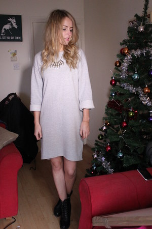 loose oversized Topshop jumper - leather lace up River Island boots