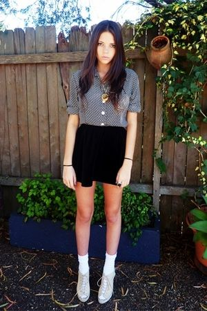 gray blouse - black skirt - white socks - gold necklace - beige shoes