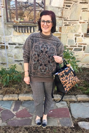 charcoal gray vintage sweater - brown Reed x Kohls bag