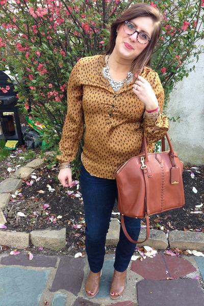 navy Levis jeans - tawny 31 Phillip Lim for Target bag - gold baublebar necklace
