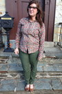 Dark-brown-lookmatic-glasses-tan-ralph-lauren-blouse-olive-green-gap-pants