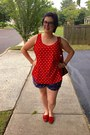Navy-old-navy-shorts-red-walmart-top-gold-gift-necklace