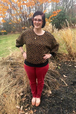 orange Faniel glasses - red Loft pants - brown vintage top - gold gift necklace