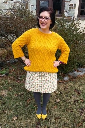 white vintage skirt - yellow Loft sweater - red Faniel glasses