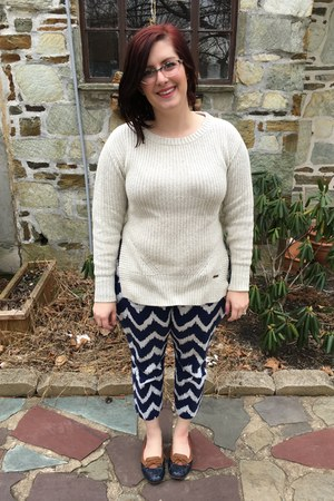 blue Old Navy pants - ivory TOMS x Target sweater - light pink kensie glasses