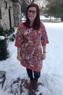 Brown-minnetonka-boots-coral-candies-dress-gold-baublebar-necklace