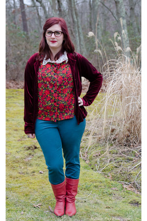 crimson thrifted cardigan - red vintage boots - gold charming charlies necklace
