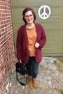 Light-brown-minnetonka-boots-dark-gray-seven-jeans-ruby-red-kensie-cardigan