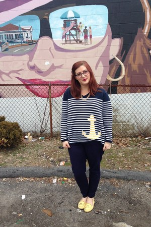 navy thrifted vintage sweater - gold baublebar necklace