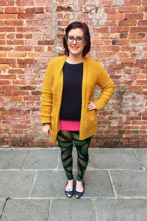 gold Primark cardigan - navy brandy melville sweater - black LuLaRoe leggings