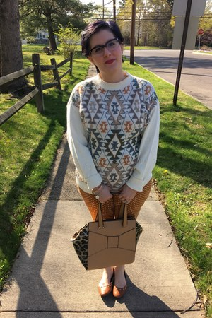 ivory thrifted vintage sweater - tan Shop Hopes bag