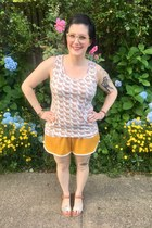 gold Target shorts - eggshell second hand top - beige eyebuydirect glasses