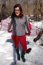 Dark-green-hunter-boots-hot-pink-north-face-jacket-black-tj-maxx-blazer