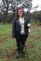black Forever 21 jacket - army green Hunter boots - cream TOMS bag