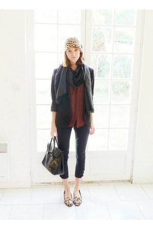 black skinny Claudie Pierlot jeans - beige leopard H&M hat