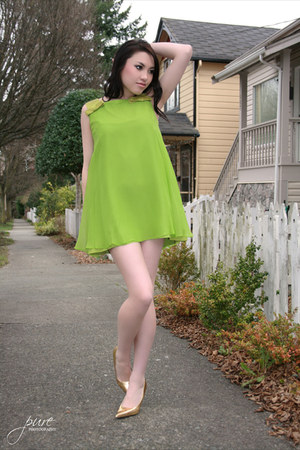 chartreuse Joseph Ribkoff dress - unknown pumps