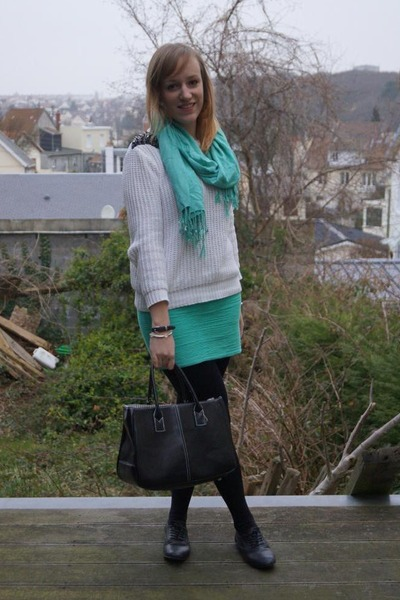 white Primark sweater - aquamarine Bershka skirt