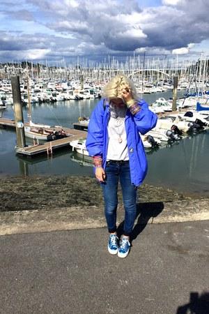blue K-Way vest - navy Mango jeans - silver Zara t-shirt - blue andré sneakers