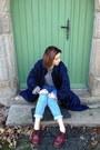 Brick-red-leather-dr-martens-shoes-navy-raincoat-vintage-coat