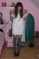 H&M coat - TKmaxx dress - H&M purse - new look socks - Matalan shoes - Dorothy P