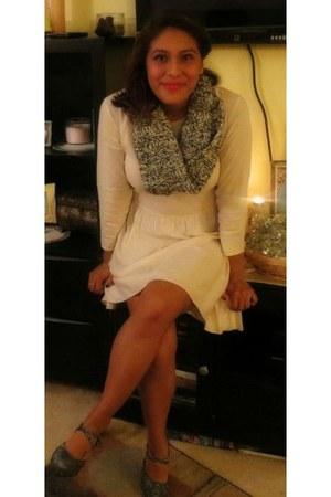 dress - scarf