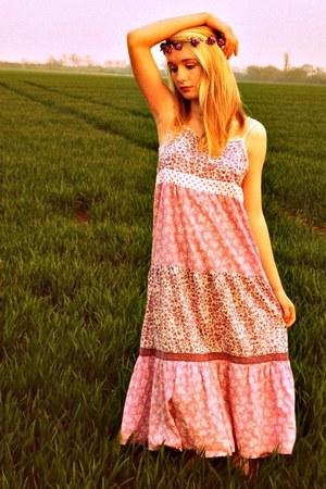 light pink Boden dress - amethyst delicate floral Claires hat