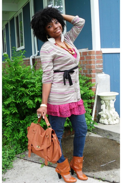 hot pink shirt - tawny Mossino bag - tan Route 66 cardigan