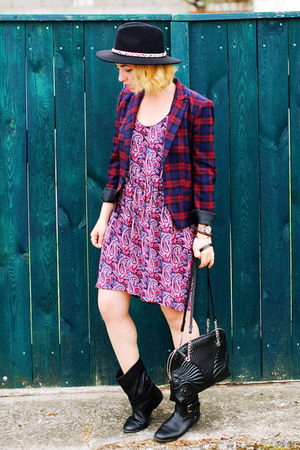 blue boho Zara dress - navy checkered Zara blazer - black Zara bag