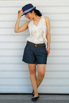 Bijou Brigitte hat - stars Mango shorts - lace Hallhuber blouse