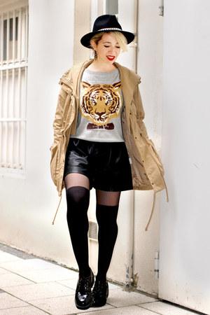 black plateau asos boots - black Zara hat - black vegan leather Zara shorts