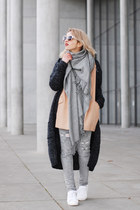 silver ripped Zara jeans - camel oversized Forever 21 blazer