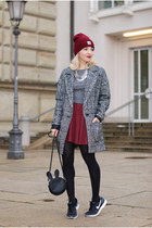 black Only coat - maroon beanie New Yorker hat - black c&a bag