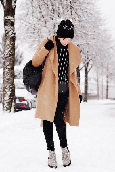 nude camel Mango coat - black cat beanie H&M hat
