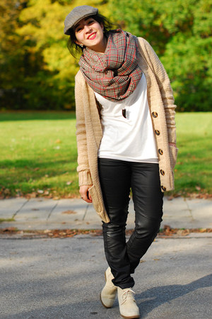 circle H&amp;M scarf - brown H&amp;M hat - nude Pimkie cardigan