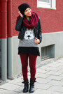 Maroon-h-m-leggings-maroon-loop-warehouse-scarf