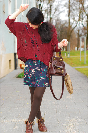 distressed Alainbella sweater - floral warehouse dress - vintage Mango bag