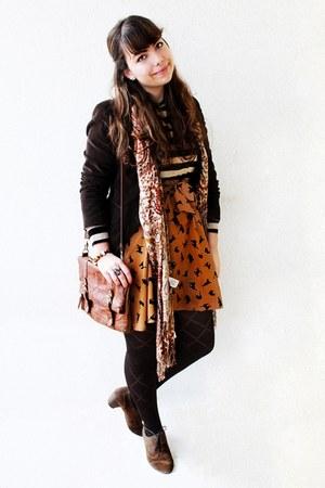 tawny cats Ebay skirt - dark brown Primark tights - bronze Cortefiel scarf