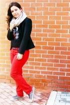 Mango blazer - H&M scarf - Zara t-shirt - Bershka pants - Converse sneakers