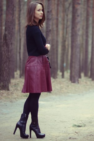 brick red leather max&co skirt